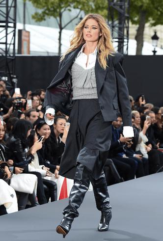 Бьюти-образ дня: Даутцен Крез на дефиле L'Oréal Paris фото [6]