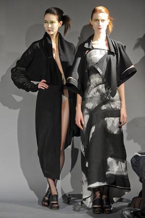 Показ Atelier Gustavo Lins коллекции сезона Весна-лето 2011 года haute couture - www.elle.ru - Подиум - фото 216132