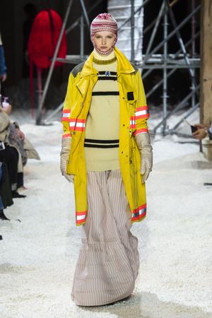 Показ Calvin Klein коллекции сезона осень-зима  2018-2019 года Prêt-à-porter - www.elle.ru - Подиум - фото 686011