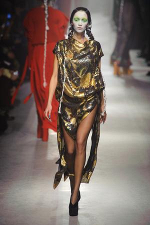 Показ Vivienne Westwood коллекции сезона Осень-зима 2013-2014 года Prêt-à-porter - www.elle.ru - Подиум - фото 537639