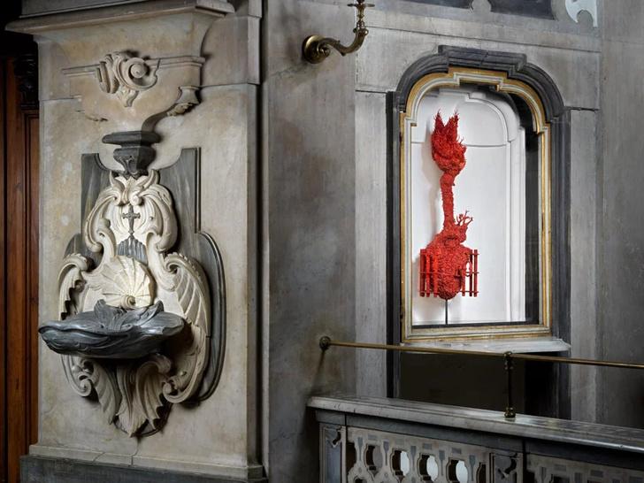 Коралловые скульптуры Яна Фабра для церкви в Неаполе (фото 4)