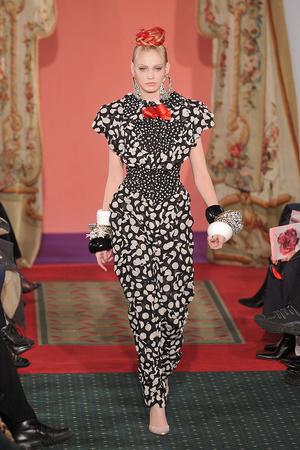 Показ Christian Lacroix коллекции сезона Весна-лето 2009 года haute couture - www.elle.ru - Подиум - фото 86475