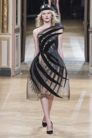 Показ Yanina Couture коллекции сезона Весна-лето 2018 года Haute couture - www.elle.ru - Подиум - фото 674371
