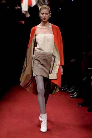 Показы мод Undercover Осень-зима 2011-2012 | Подиум на ELLE - Подиум - фото 2171
