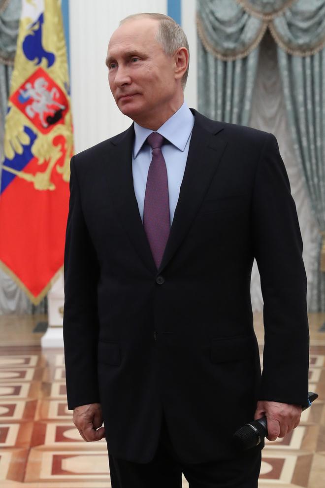 Владимиру Путину - 66 лет: стиль президента в лучших фотографиях (фото 3)