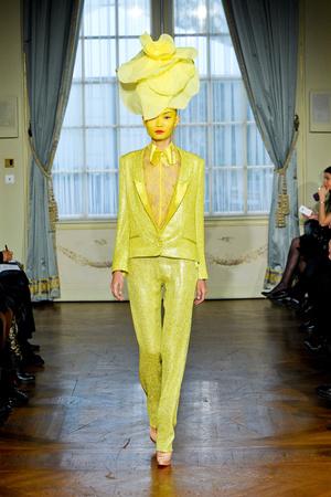 Показ Alexis Mabille коллекции сезона Весна-лето 2012 года Haute couture - www.elle.ru - Подиум - фото 330164