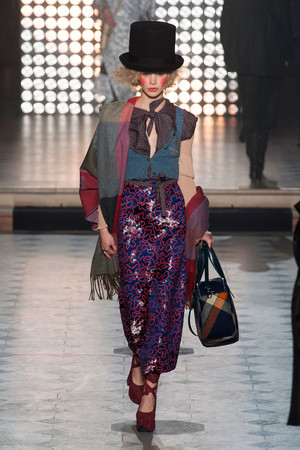 Vivienne Westwood | Подиум на ELLE - Подиум - фото 4000