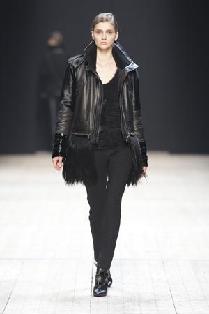 Показы мод Barbara Bui Осень-зима 2011-2012 | Подиум на ELLE - Подиум - фото 2180