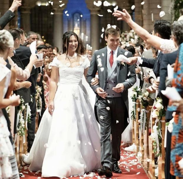 Второе свадебное платье новой принцессы Монако (фото 1)