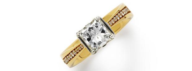 Кольцо, желтое и белое золото, бриллианты, Korloff, 796 300 руб.