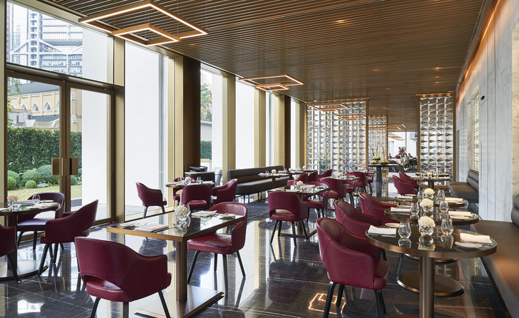 Реконструкция иконы модернизма Гонконга от Foster + Partners (фото 10)