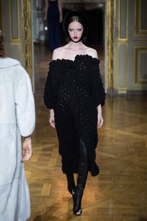 Показ Ulyana Sergeenko коллекции сезона Осень-зима 2015-2016 года haute couture - www.elle.ru - Подиум - фото 596865