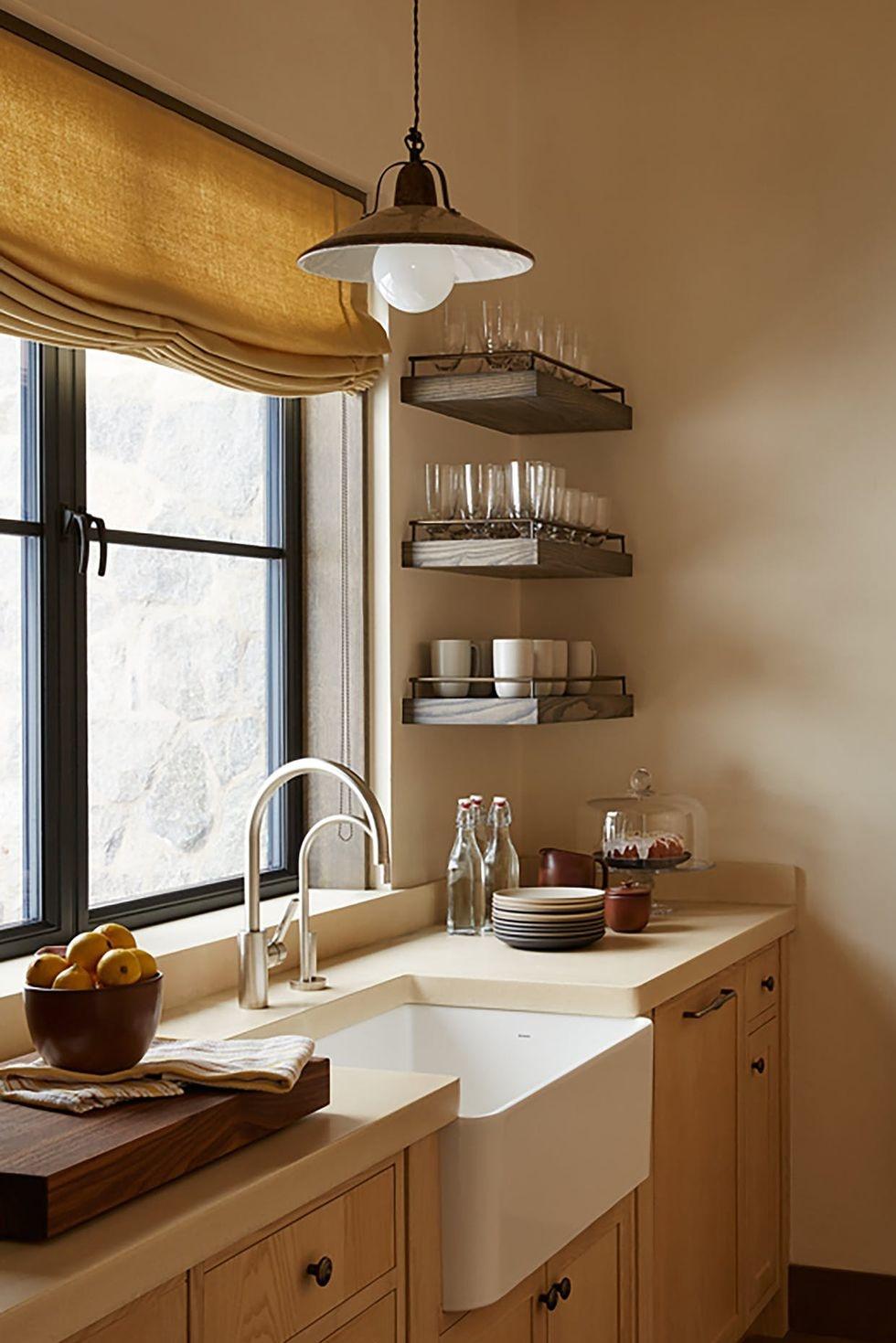 Открытые полки на кухне: 20 примеров (галерея 1, фото 1)