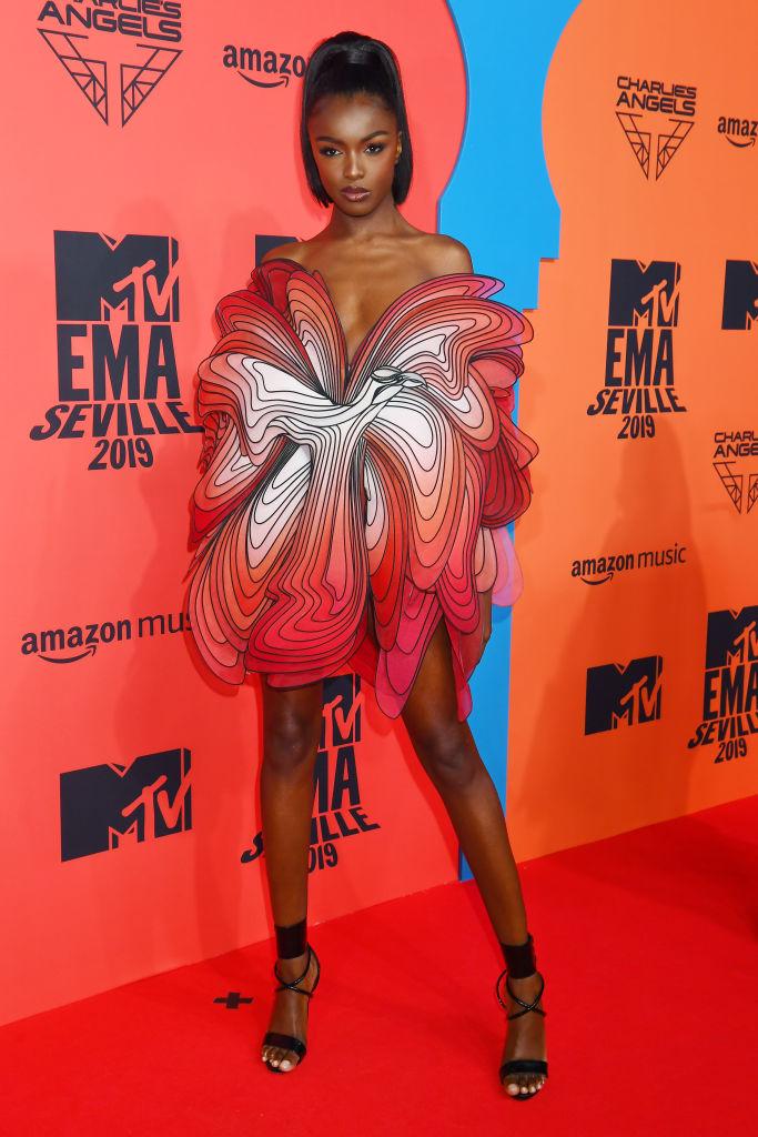Обнаженные и откровенные: три супермодели на премии MTV EMA (фото 7)