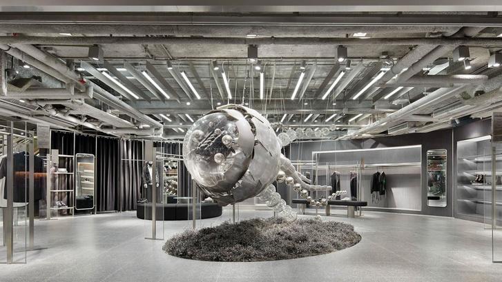 Футуристичный бутик в Гонконге из индустриального мусора (фото 0)