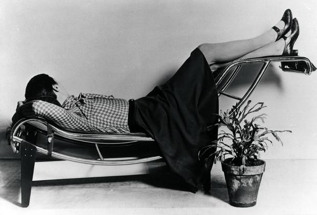 Шарлотта в шезлонге LC4, 1929 год