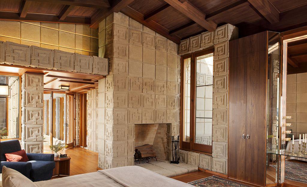 «Дом Эннисов» Фрэнка Ллойда Райта выставлен на продажу (галерея 7, фото 5)