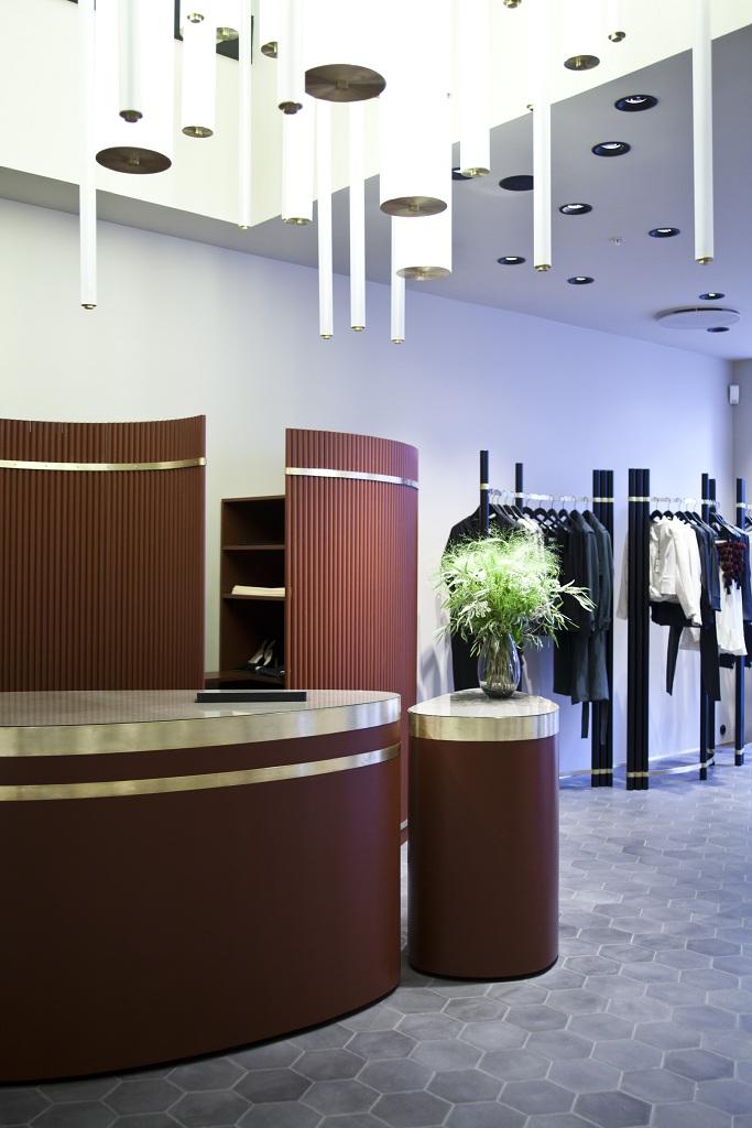 Дизайнеры Dimore Studio оформили бутик By Malene Birger | галерея [1] фото [6]