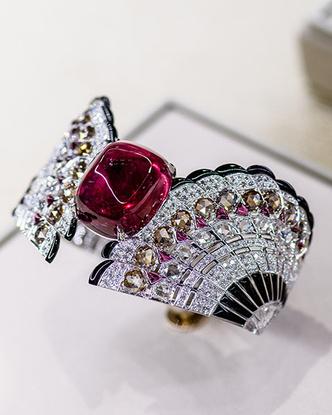 В Нью-Йорке проходит выставка Cartier, посвященная Высокому ювелирному искусств фото [1]