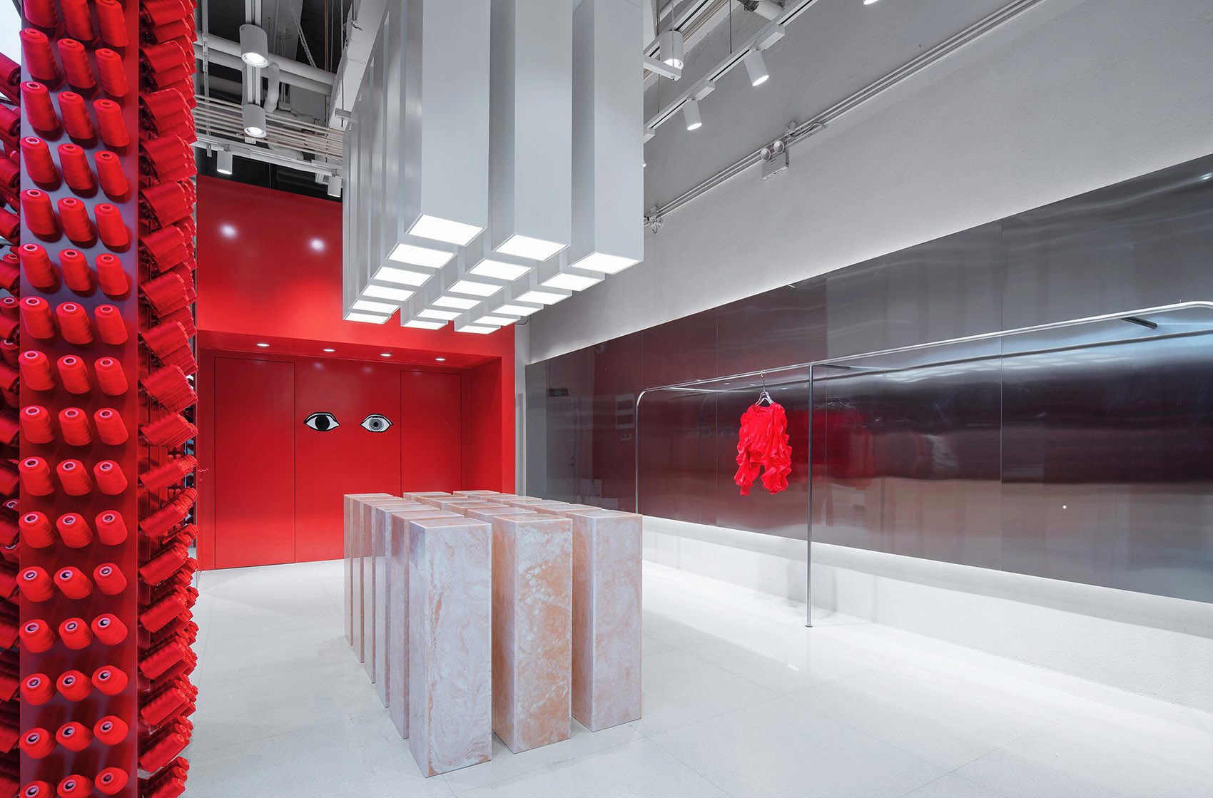 Яркий бутик одежды в Китае (галерея 7, фото 4)