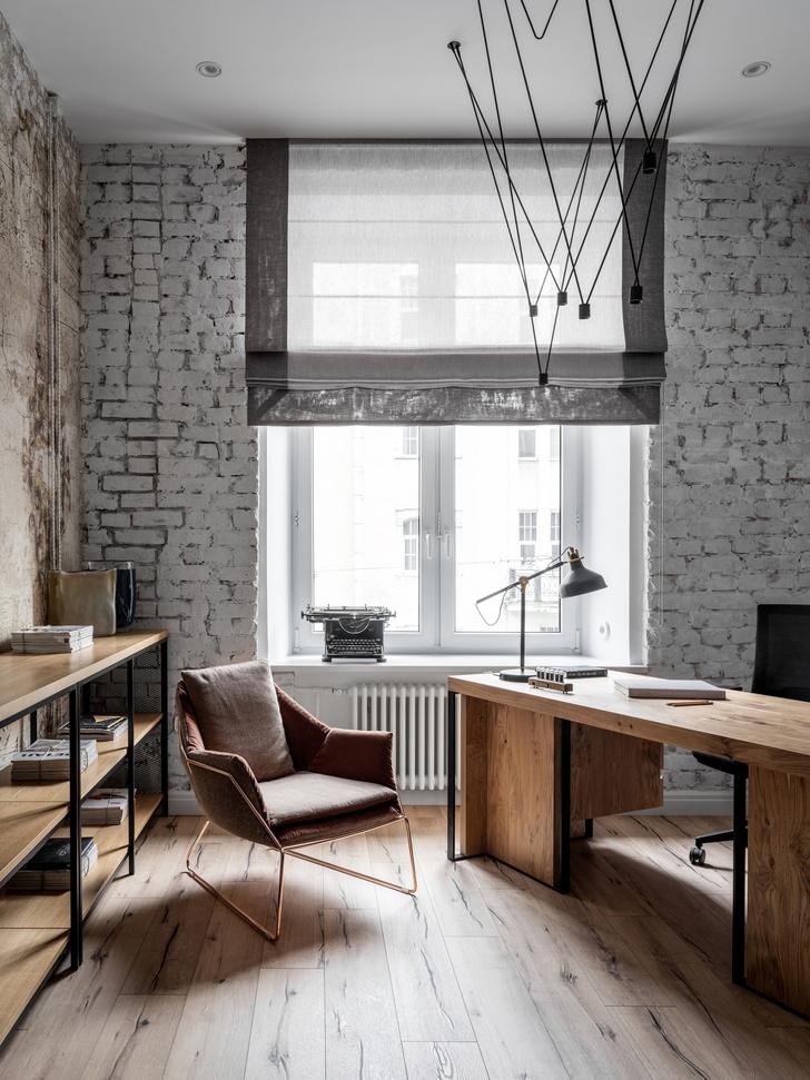 Светлый офис для книжного издательства в старинном петербургском доме (фото 12)