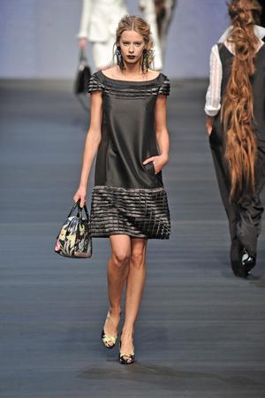 Показ Mariella Burani коллекции сезона Весна-лето 2009 года prêt-à-porter - www.elle.ru - Подиум - фото 82817