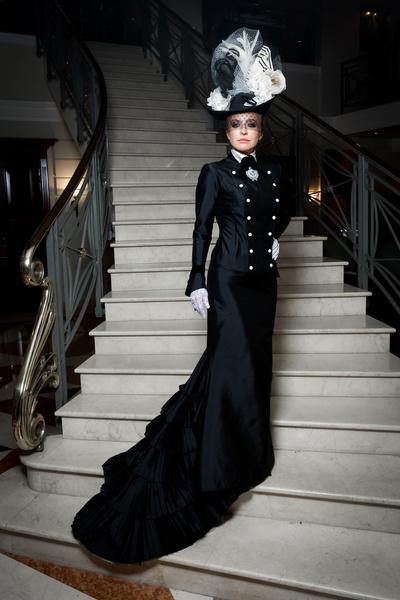 Почему ювелирный дизайнер окрасил Санкт-Петербург в черный цвет? (галерея 4, фото 1)