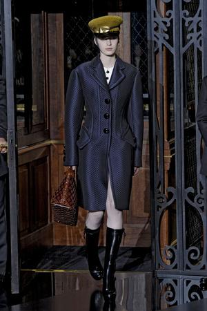 Показ Louis Vuitton коллекции сезона Осень-зима 2011-2012 года prêt-à-porter - www.elle.ru - Подиум - фото 255495