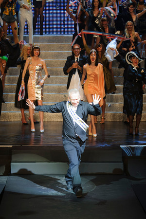 Показ Jean Paul Gaultier коллекции сезона Весна-лето 2015 года prêt-à-porter - www.elle.ru - Подиум - фото 591204
