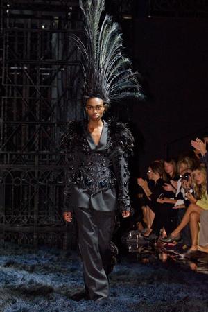 Показ Louis Vuitton коллекции сезона Весна-лето 2014 года Prêt-à-porter - www.elle.ru - Подиум - фото 572349