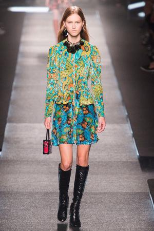 Показ Louis Vuitton коллекции сезона Весна-лето 2015 года prêt-à-porter - www.elle.ru - Подиум - фото 592604