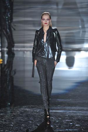Показы мод Gucci Осень-зима 2009-2010 | Подиум на ELLE - Подиум - фото 3169
