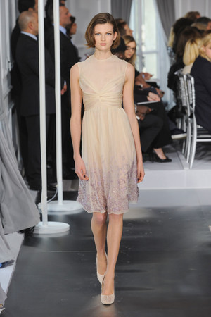 Показ Christian Dior коллекции сезона Весна-лето 2012 года Haute couture - www.elle.ru - Подиум - фото 330488