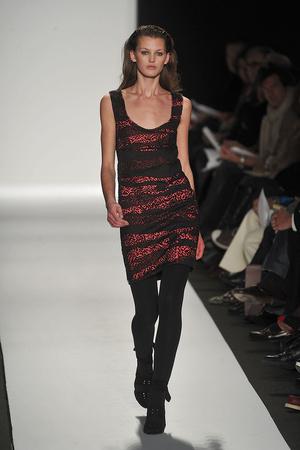 Показы мод Narciso Rodriguez Осень-зима 2009-2010 | Подиум на ELLE - Подиум - фото 3213