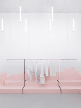 Яркая концепция в минималистичном дизайне в магазине от AKZ Architectura (фото 4)