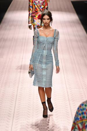 В духе Met Gala: звездопад на показе Dolce&Gabbana (фото 9.2)