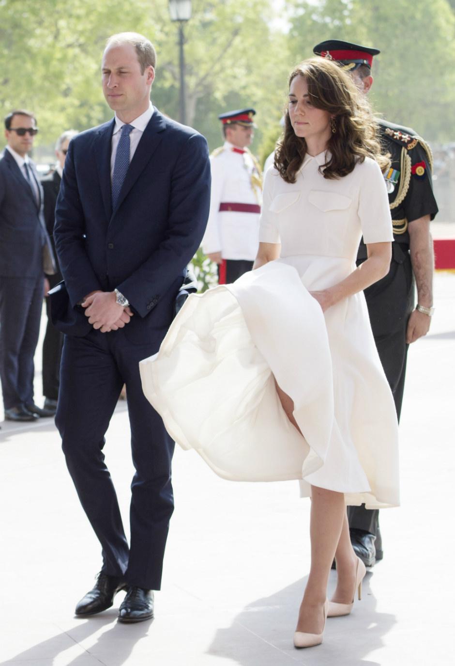 10 раз, когда Кейт Миддлтон пренебрегла королевским дресс-кодом фото [8]