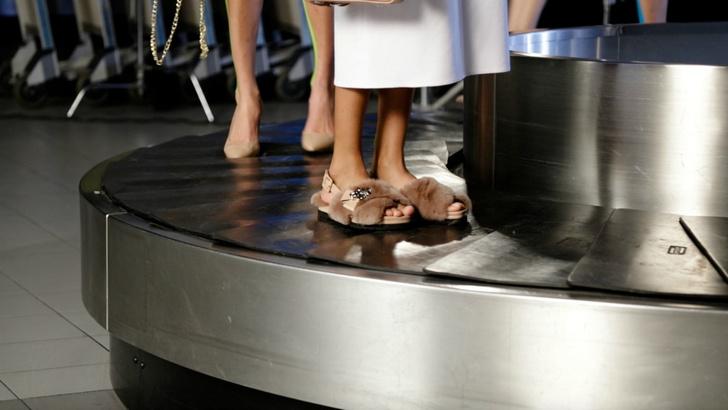 Следим за каждым шагом: какую обувь носят знаменитости?