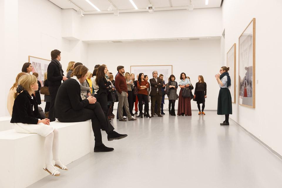 В МАММ прошел закрытый показ выставки Кандиды Хёфер | галерея [1] фото [32]