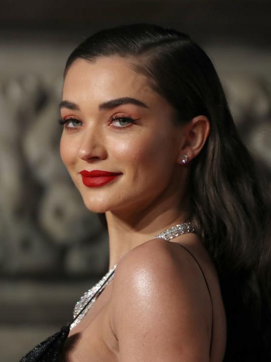 BAFTA-2019: 10 самых красивых бьюти-образов (фото 9)