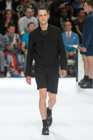 Показ Christian Dior коллекции сезона Весна-лето 2014 года Men prêt-à-porter - www.elle.ru - Подиум - фото 556725