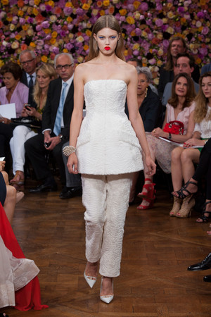 Показы мод Christian Dior Осень-зима 2012-2013 | Подиум на ELLE - Подиум - фото 1361