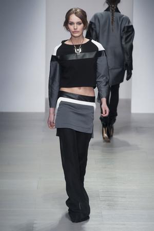Показы мод Jean-Pierre Braganza Осень-зима 2014-2015 | Подиум на ELLE - Подиум - фото 3891