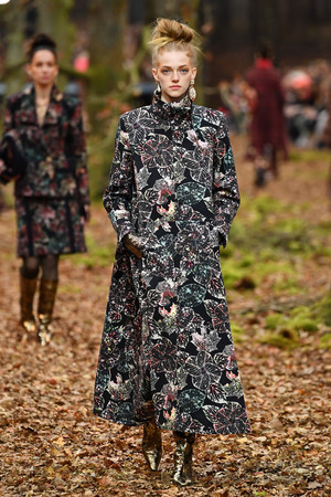 Показы мод Dries Van Noten Осень-зима 2015-2016 | Подиум на ELLE - Подиум - фото 7051