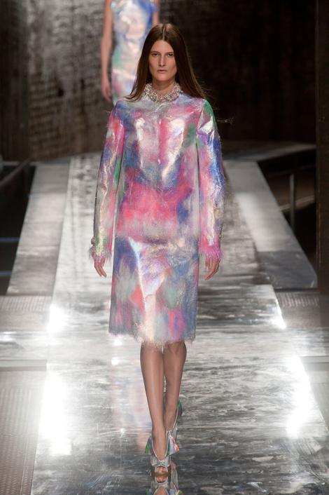 Самые эффектные образы показа Christopher Kane на Неделе моды в Лондоне