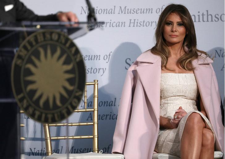 платье Мелании Трамп на встрече