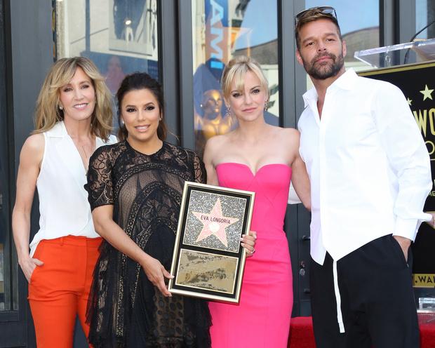 Ева Лонгория получила звезду на голливудской Аллее славы (фото 6)