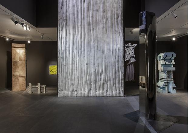 Рик Оуэнс: мебель из мрамора и рога (фото 9)