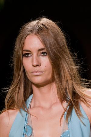 Показ Versace коллекции сезона Весна-лето 2014 года Prêt-à-porter - www.elle.ru - Подиум - фото 564928