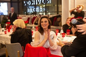 Искусство жить: бриллианты Piaget и брызги шампанского на ужине Татьяны Рогаченко (фото 5.2)